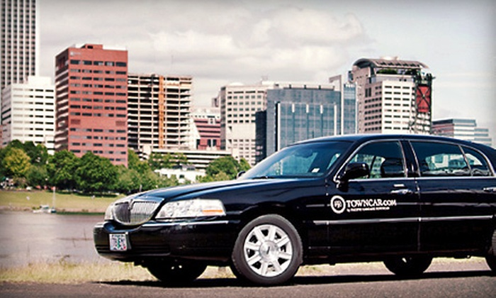 Towncar.com - Hosford - Abernethy: $32 for One-Way Chauffeur Service from Towncar.com (Up to $90 Value)