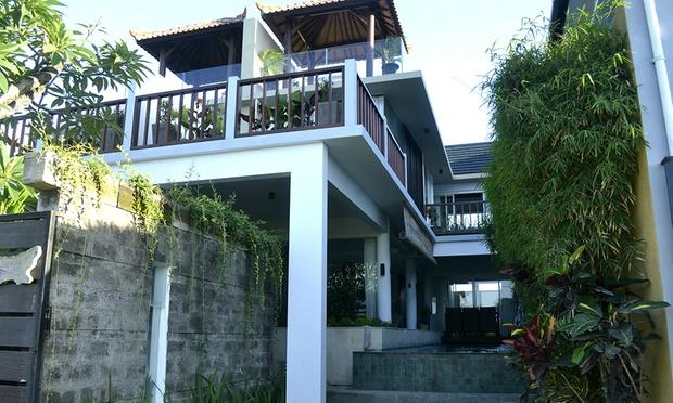 Bali: 4* Villa near the Beach 4