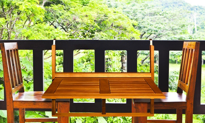 table de balcon en bois d 39 acacia groupon shopping. Black Bedroom Furniture Sets. Home Design Ideas