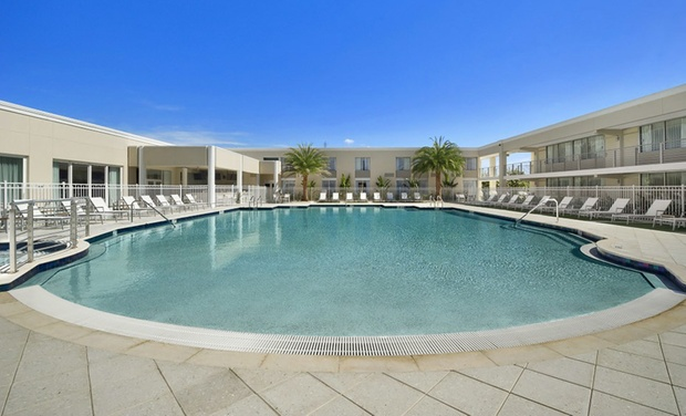 Ramada Venice Resort - Venice, FL: Stay with Breakfast for Two at Ramada Venice Resort in Venice, FL, with Dates into October