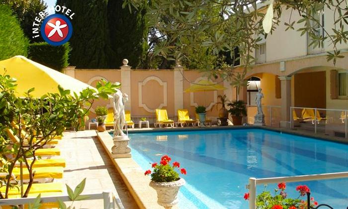 Inter-Hôtel Mireille - Arles: Bouches-du-Rhône : 1, 2 ou 3 nuits à INTER-HOTEL Mireille avec petits déjeuners et dîners en option dès 89€ pour 2 pers.