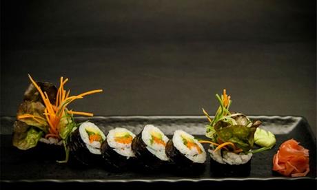 Degustación de cocina tradicional japonesa para 2 por 29,95 € o menú sukiyaki para 4 por 59,95 € junto a la Catedral