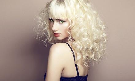 Haarschnitt inkl. Haarkur für alle Längen bei Diamond & Beauty (bis zu 72% sparen*)