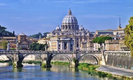 Roma: camera doppia/matrimoniale Classic con colazione e Spa per 2 all'hotel Romanico Palace