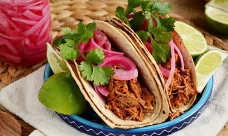 Menú mexicano para 2 con entrante, principal, postre, bebida y opción a margarita desde 19,95 €en El Chamán