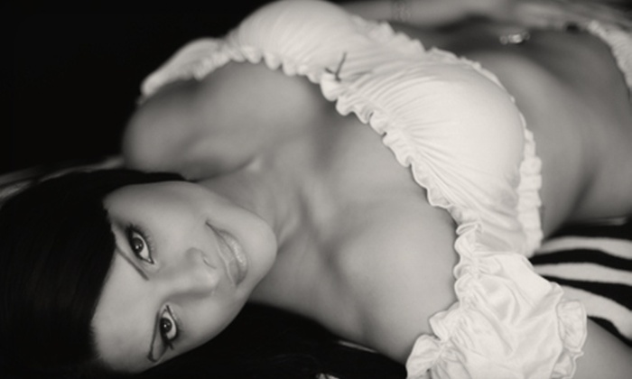 """Fabuluxe Photos - Stratford: $99 for a 60-Minute Boudoir Photo Shoot and 8""""x10"""" Print at Fabuluxe Photos ($399 Value)"""