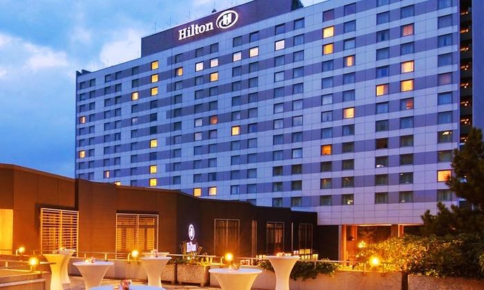 Hilton d sseldorf in d sseldorf groupon getaways for Hotel dusseldorf mit schwimmbad