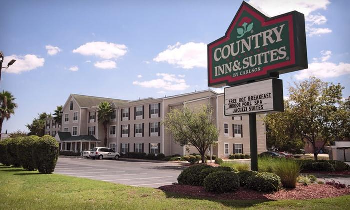 Hotel Near Savannah Historic District
