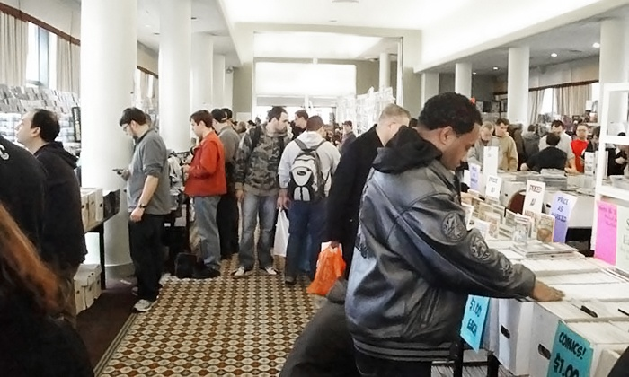 Mike Carbo's NY Comic Book Marketplace - Penn Plaza Pavilion: $25 for Early Admission to Big Apple Con from Mike Carbo's NY Comic Book Marketplace ($50 Value)