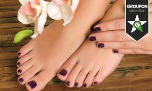 Centro Integral de Belleza Consuelo Cánovás: 2 o 4 sesiones de manicura y pedicura con esmaltado permanente desde 19,90 €