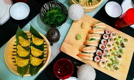 Menú de sushi con entrante, postre y bebida para 2 personas en Sushimore Alcorcón (hasta 48% de descuento)