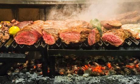 Bufé ilimitado para 2 con empanada, entrantes, parrillada, postre, café y bebida desde 29,99 € en The Knife