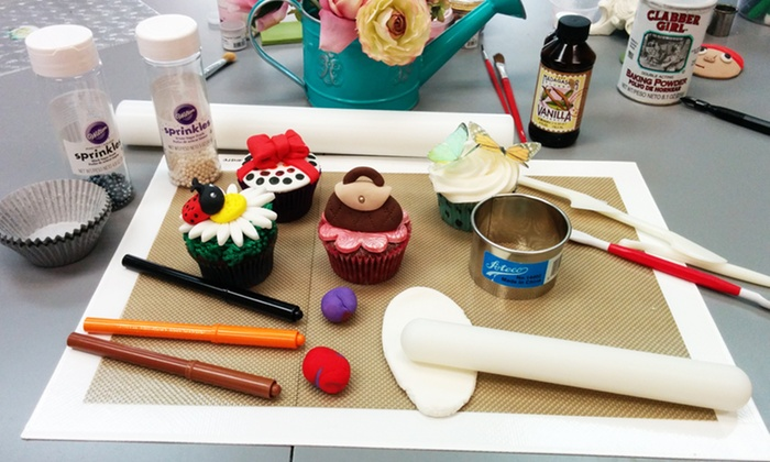 Mia Cake House - Plantation: Two-Hour Cupcake-Decorating Class for One or Two at Mia Cake House (45% Off)
