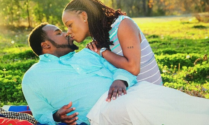 Aron Williams Photography - Dallas: $51 for $125 Worth of On Location Photo Shoot at Aron Williams Photography