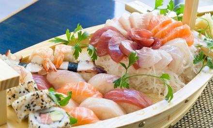 Soupe miso ou nem avec un bateau sushi varié, à 29,99 € chez Bonsai Sushi Zimmerplein!