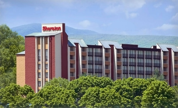 Sheraton Roanoke Hotel & Conference Center - Roanoke, VA: Stay with Two Welcome Drinks at Sheraton Roanoke Hotel & Conference Center in Roanoke, VA. Dates into September.