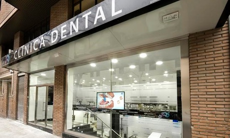 Limpieza bucal con opción a blanqueamiento led en Social Dental Studio