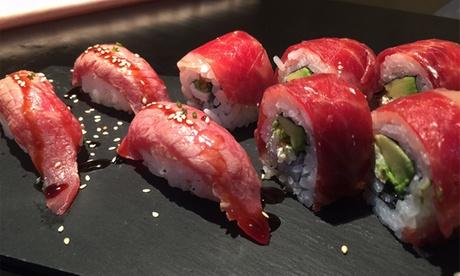 Bandeja de sushi de 44 u 88 piezas para 2 o 4 con entrante, postre y bebida desde 24,95 €
