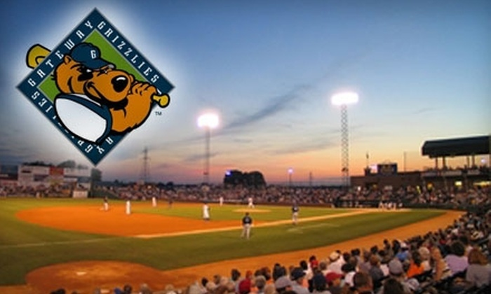 Gateway Grizzlies - East Saint Louis: $10 for Admission, Hot Dog, Chips, Soda, Five Grizzlie Bucks, & 10 Pitches on the ProBatter Machine at a Gateway Grizzlies Game