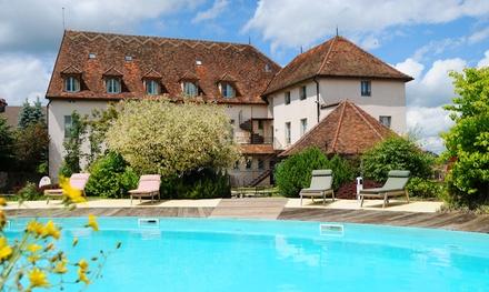 Bourgogne : chambre double Charme ou Suite avec pdj et menu en option pour 2 personnes à Hôstellerie la Tour d'Auxois