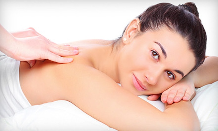 Massage Advantage - Multiple Locations: $34 for a Wellness Package with Massage and Pain-Management Consultation at Massage Advantage ($99 Value)