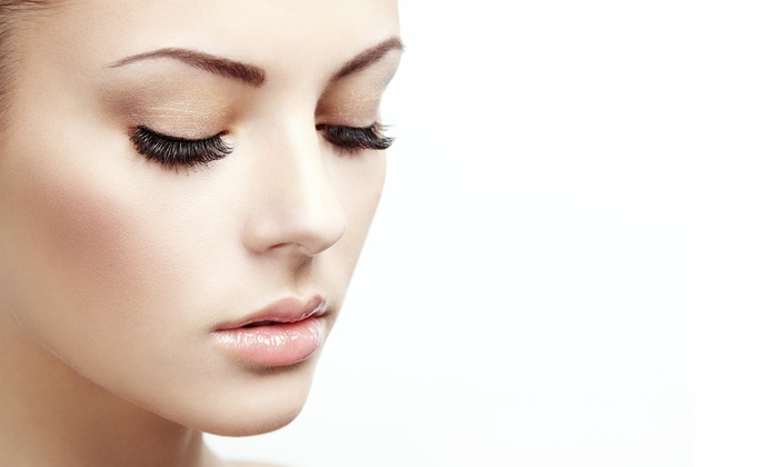 Perfect Brows - Summerlin: $99 for Full Set of Individual Faux Mink Eyelash Extensions at Perfect Brows($249 Value)