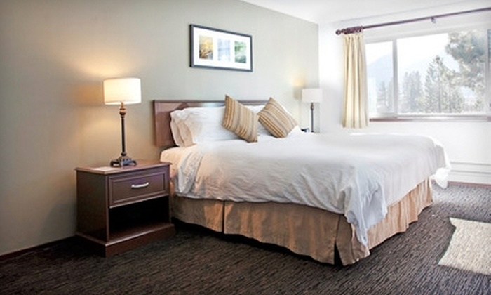 Mammoth Creek Inn - Sherwin Plaza: $95 for a One-Night Stay in a Standard Room at Mammoth Creek Inn in Mammoth Lakes (Up to $190 Value)