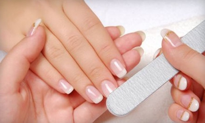 In Style Nail Spa - Midtown: $17 for Manicure and Shellac Nail-Polish Treatment at In Style Nail Spa ($35 Value)