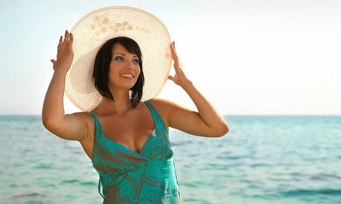 Brazil Bronze Glow Bar - Great Neck Plaza: $25 for a Luxury Spray Tan at Brazil Bronze Glow Bar of Great Neck ($60 Value)