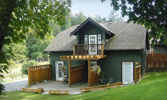 Benvenuto Bed and Breakfast - Brentwood Bay: Two- or Three-Night Stay with Optional Butchart Gardens Tickets at Benvenuto Bed and Breakfast in Brentwood Bay, BC