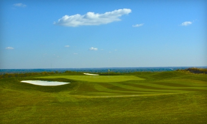 Hilltop Golf Club - Franconia: Golf at Hilltop Golf Club in Alexandria. Two Options Available.