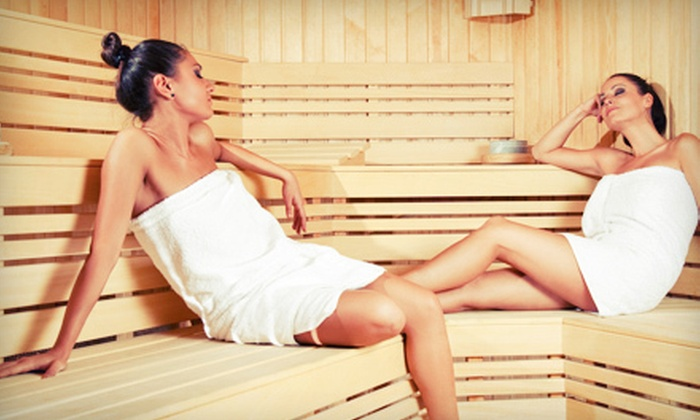 Isthmus Acupuncture Center, LLC - Bay Creek: $36 for Three Infrared-Sauna Sessions and One Essential-Oil Massage at Isthmus Acupuncture Center, LLC ($90 Value)