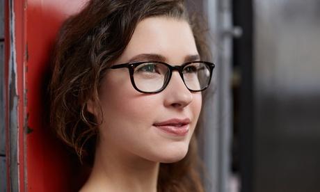 Gafas graduadas monofocales o progresivas con cristales antirreflejantes o de sol desde 39,95€ en Centro Óptico AEstrada
