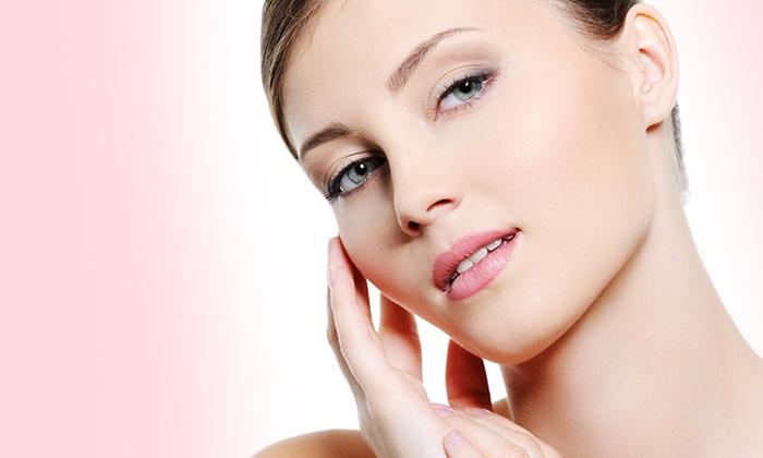 Trattamento viso con botox o filler di acido ialuronico con 2 biorivitalizzazioni o buono sconto per blefaroplastica
