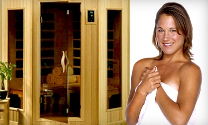 Maui Tan and Sauna - Gladstone: Three Infrared-Sauna Treatments or One Month of Unlimited Tanning at Maui Tan and Sauna