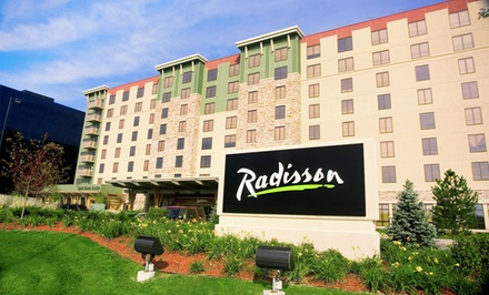 Groupon Deal: Stay with Optional Water-Park Passes at Radisson Bloomington by Mall of America in Bloomington, MN. Dates into June.