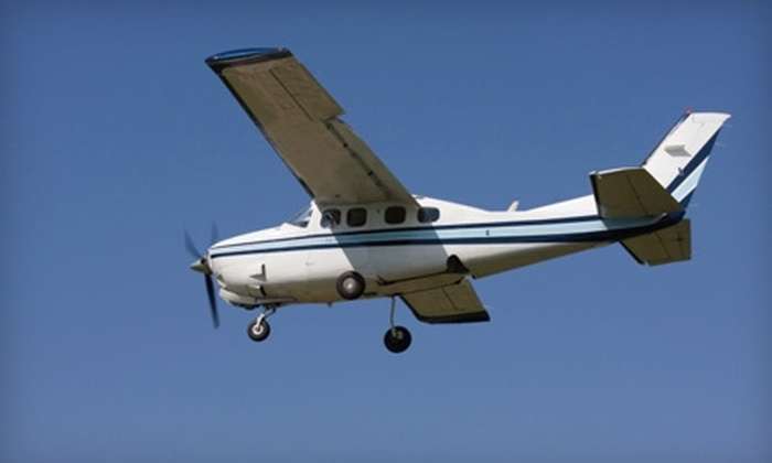 Smith Field Air Service - Fort Wayne: $29 for Introductory Flight Lesson from Smith Field Air Service ($59 Value)