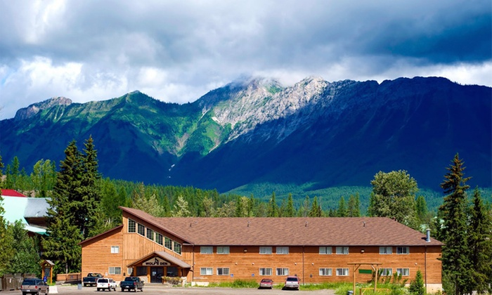 Fernie Slopeside Lodge - Fernie, BC: 1-, 2-, or 3-Night Stay for Two in a Standard Room at Fernie Slopeside Lodge in Fernie, BC