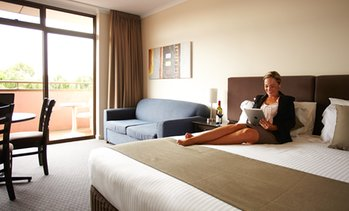 Adelaide: Up to 3-Night Retreat with Wine