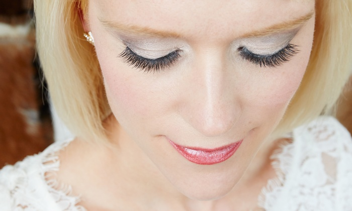 T&T Lashes - Houston: Full Set of Eyelash Extensions at T&T Lashes (74% Off)