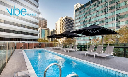 North Sydney: 13 Nights for Two with Late CheckOut and Option for Luna Park or Zoo Tickets at Vibe Hotel North Sydney