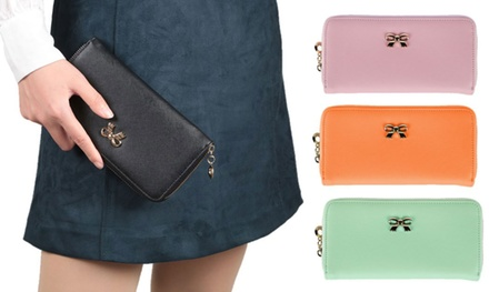 Women's Zipped Clutch Wallet