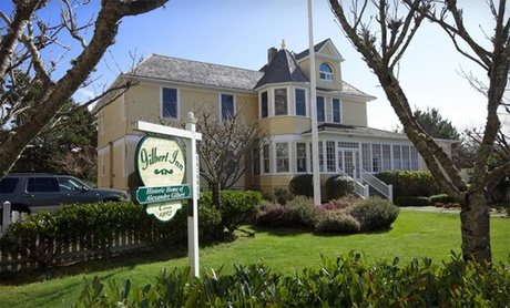 19th-Century Inn next to Pacific Coast