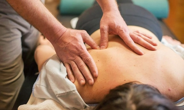 ChiroMend - Glenview: $55 for a Chiropractic Package with a Consultation, Exam, and Adjustment at ChiroMend ($297 Value)