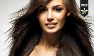 Vanity Hair & Beauty: Bellezza capelli con shampoo in cromoterapia, taglio e trattamenti a scelta come colore e shatush