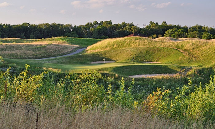 Highlands of Elgin - Elgin: $79 for 18 Holes of Golf with a Cart Rental and $50 Gift Card to Tavern at Highlands of Elgin ($114 Value)