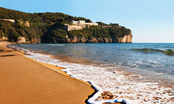 La Serra - Baia Domizia: Golfo di Gaeta, La Serra - 3, 5 o 7 notti a Baia Domizia in appartamento da 59 € per 2 persone o da 89 € per 4 persone