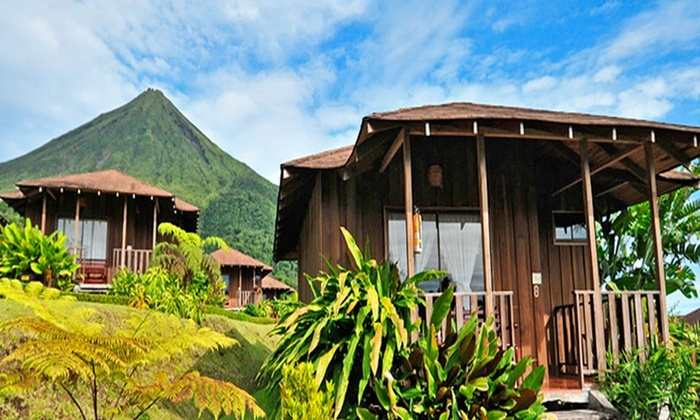 8-Day Costa Rica Vacation with Airfare - Travel by Jen: 8-Day Costa Rica Vacation with Airfare and Accommodations from Travel by Jen