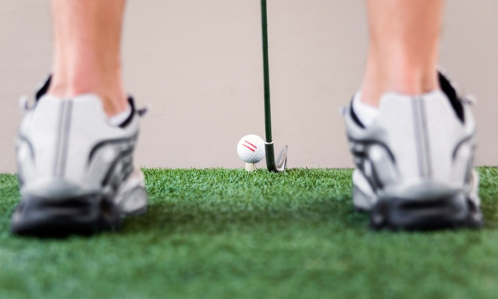 Evolution Golf Inc. - Multiple Locations: C$20 for One Hour of Indoor Golf in a Private Room at Evolution Golf Inc. (C$40 Value)