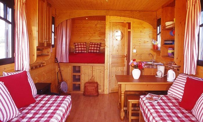 Les roulottes de saint cerice a vog rhone alpes for Colline o cabine marroni
